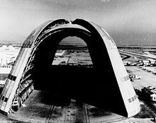 220px-Hangar_One_at_Moffett_Field_1963.jpg