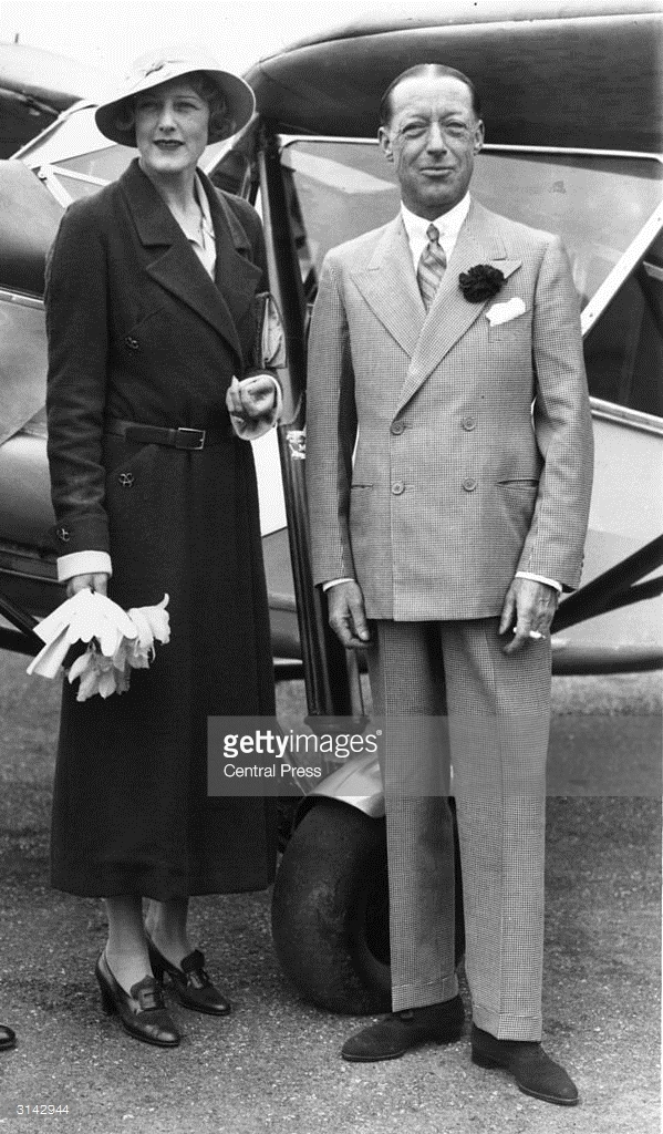 a3rd-august-1933-lord-and-lady-furness-at-stag-lane-aerodrome.jpg