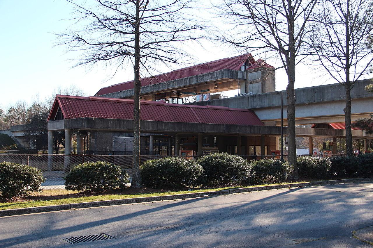 Bankhead_MARTA_station,_Atlanta.JPG
