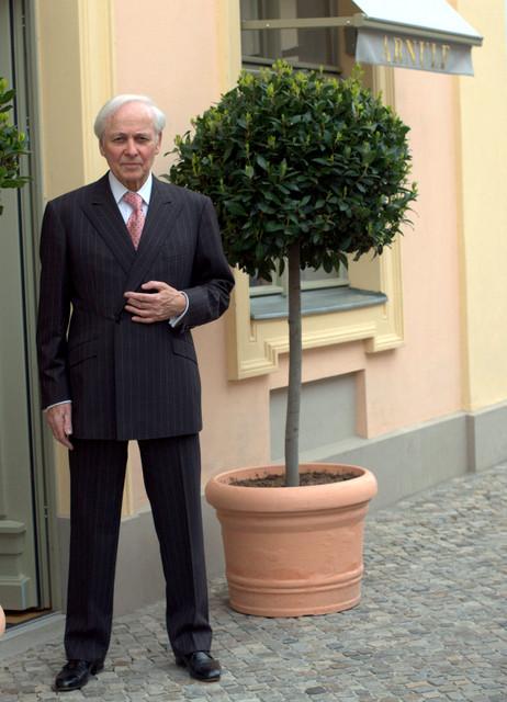 Bespoke-tailor-Volkmar-Arnuf-The-Journal-of-Style-1.jpg