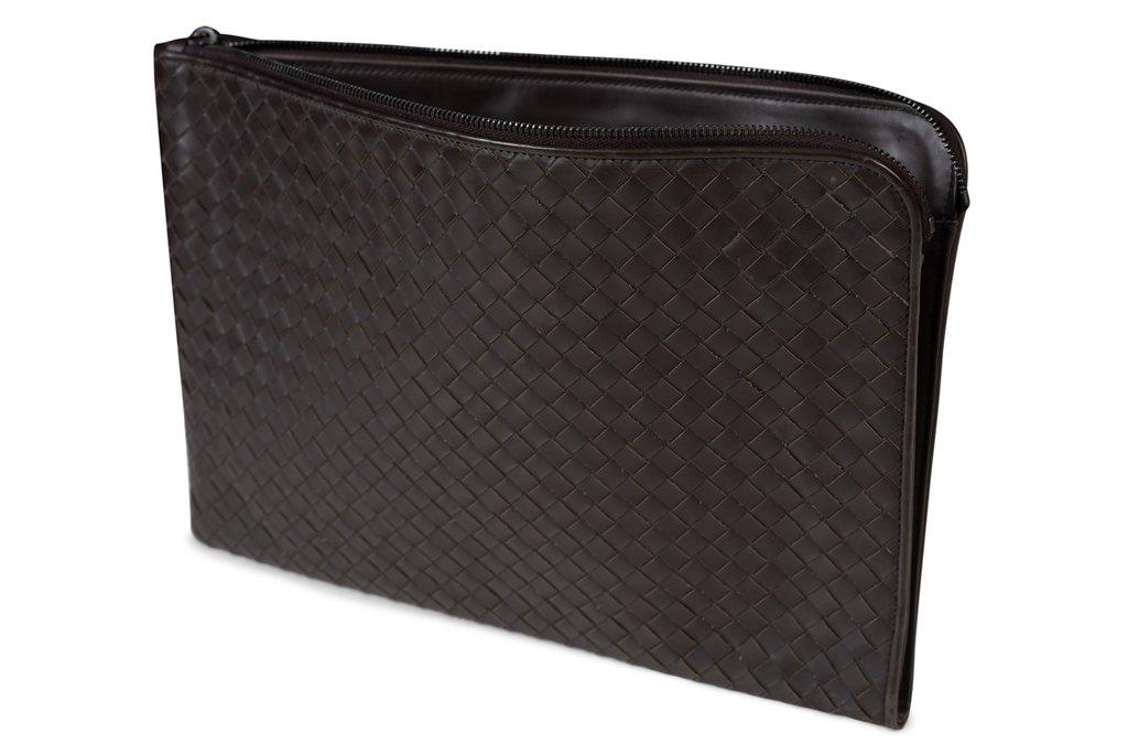 BOTTEGA_VENETA_Hand-Woven_Brown_VN_Leather_Zipped_Document_Briefcase2_1024x1024.jpg
