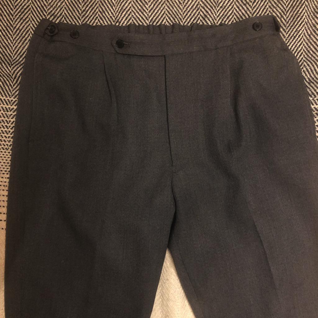 Camoshita wool easy pants in charcoal grey in size 50_1.jpg