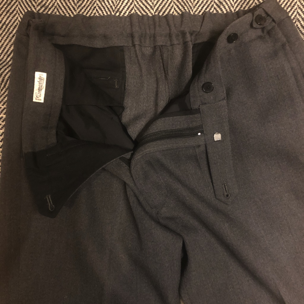 Camoshita wool easy pants in charcoal grey in size 50_2.jpg