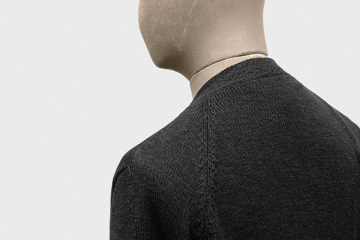 cardigan-cotton-tuck-charcoal-6s@2x.jpg