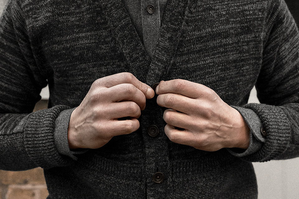 cardigan-geelong-lambswool-charcoal-worn-2.jpg