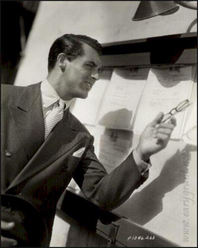 Cary_Grants_button-down_shirts_with_French_cuffs_at_Keikari_dot_com.jpg