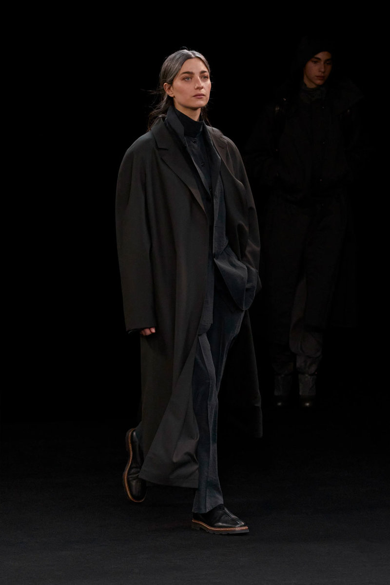 christophe-lemaire-sarah-linh-tran-fw21-collection-8.jpg
