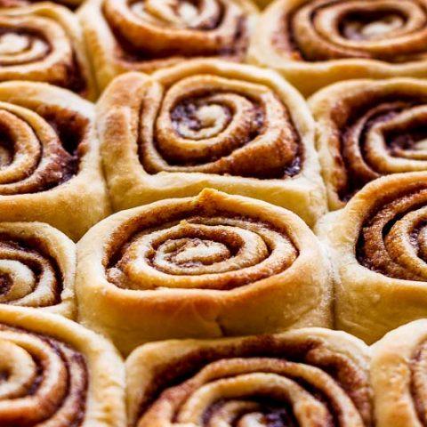 cinnabon-cinnamon-rolls-35-480x480.jpg