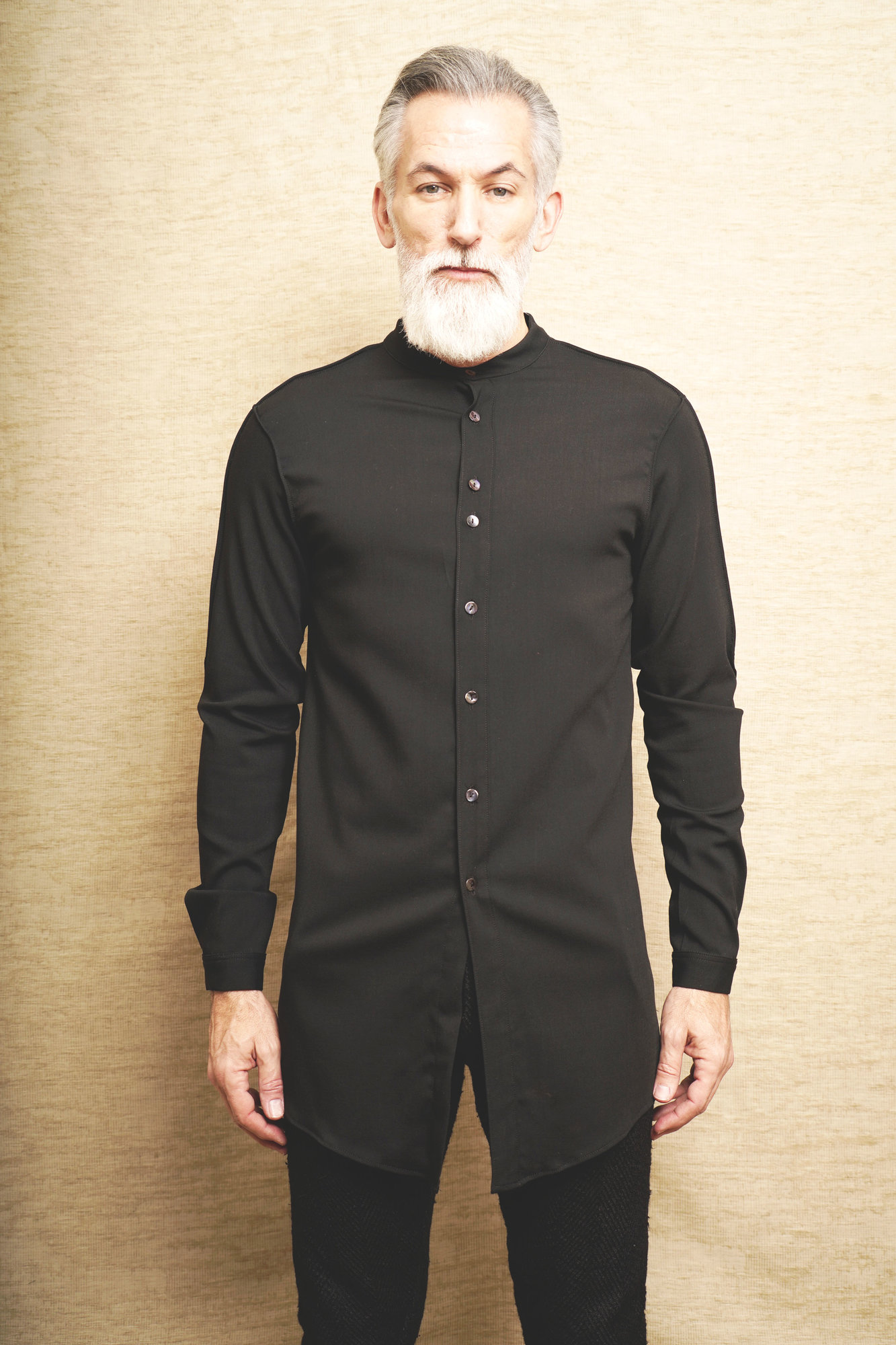 Empedocles long shirt - black_4.JPG