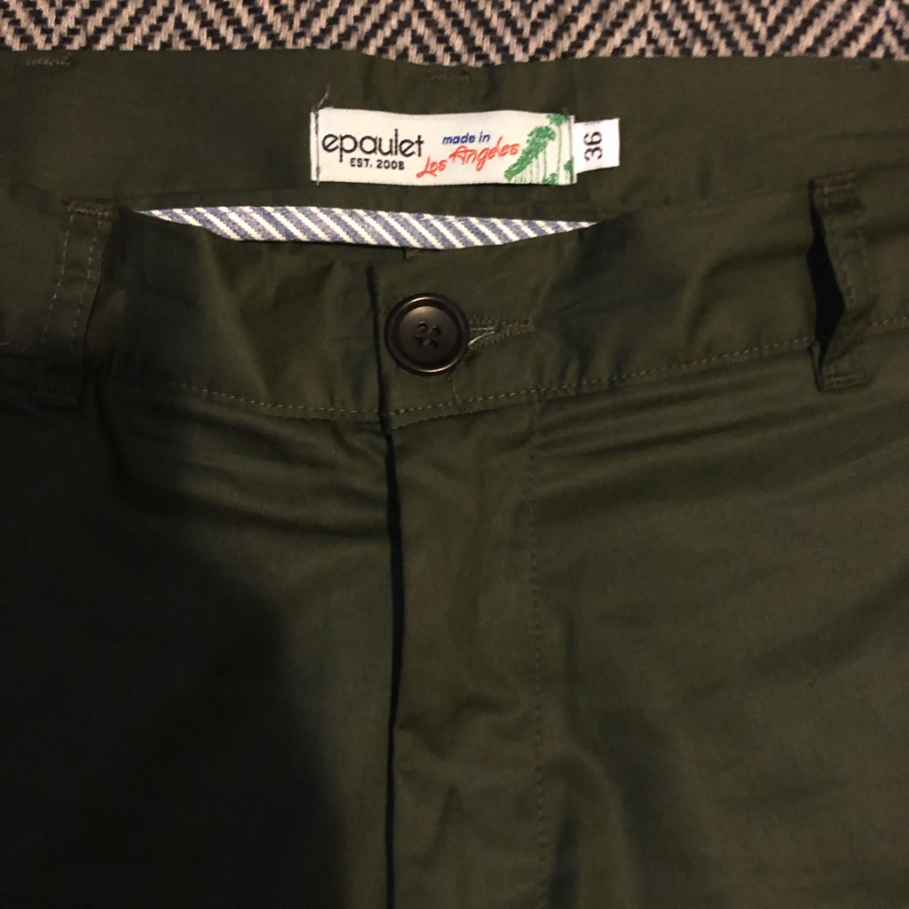 Epaulet Rivet Chino in olive jungle cotton poplin in size 36_3.jpg