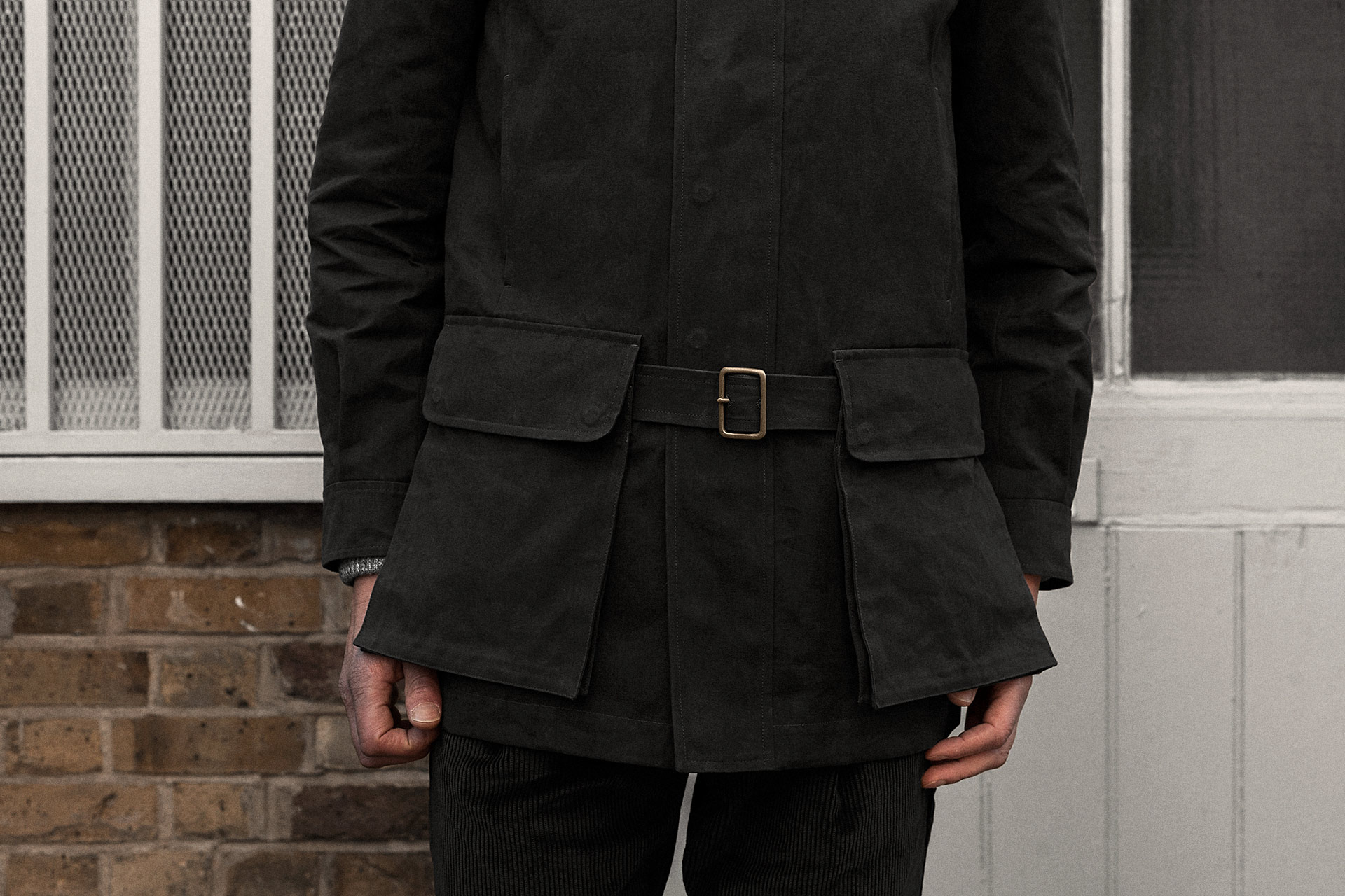 field-coat-canopy-cotton-charcoal-worn-6@2x.jpg