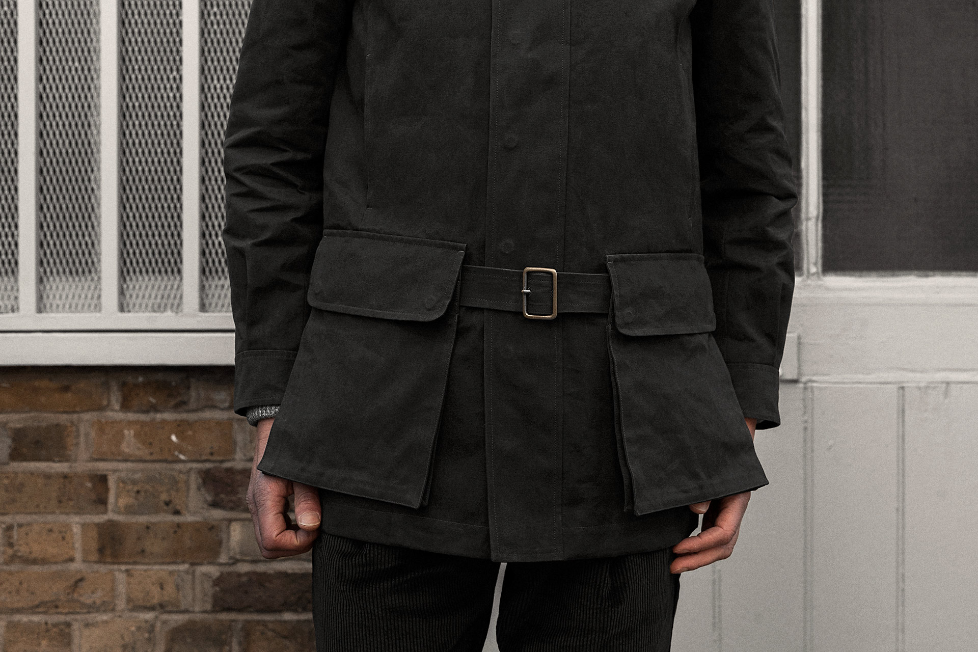 field-coat-canopy-cotton-charcoal-worn-6@2x.jpg