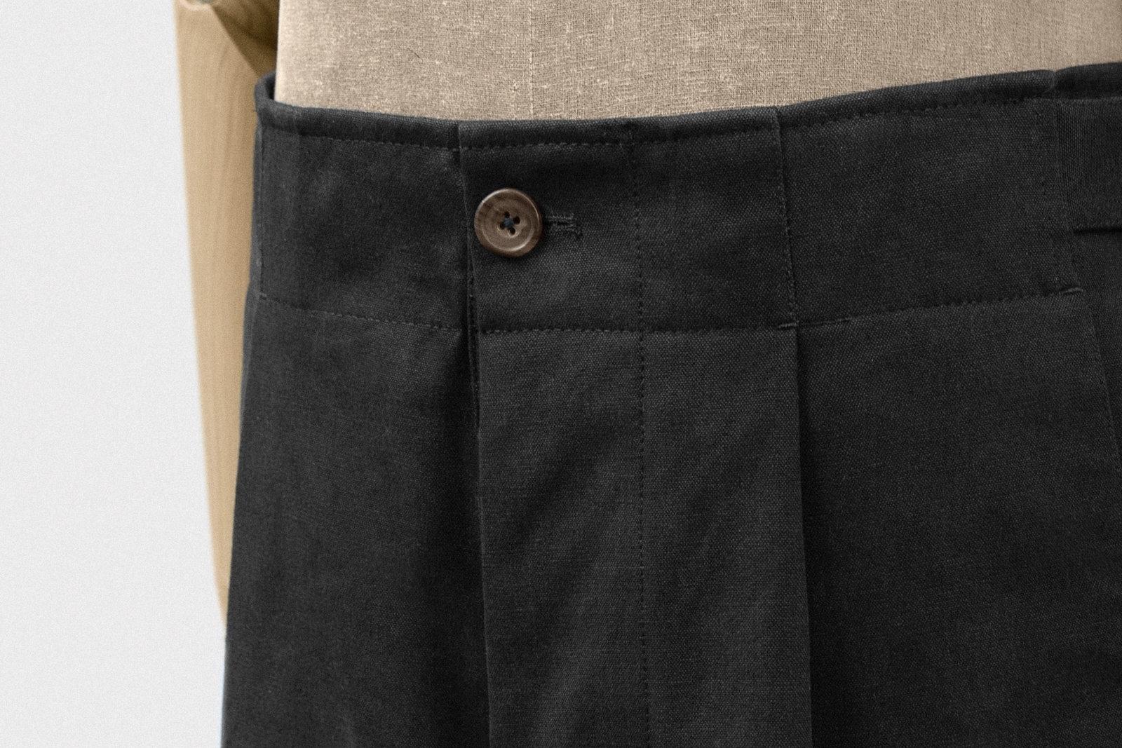 field-trousers-cotton-black-2@2x.jpeg