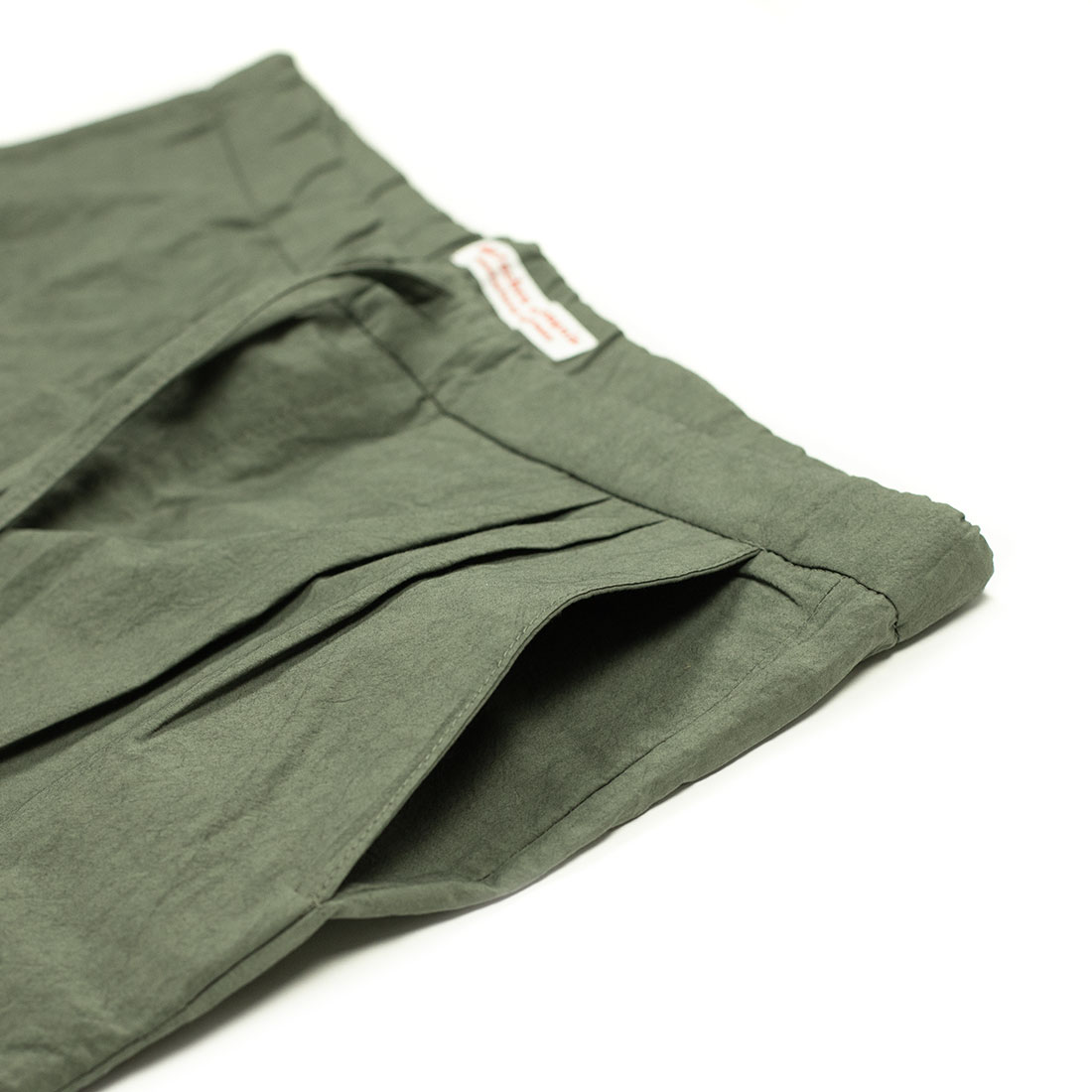 Frank Leder Spring Summer 2021 SS21 Made in Germany lightweight drawstring pleated trousers (5).jpg