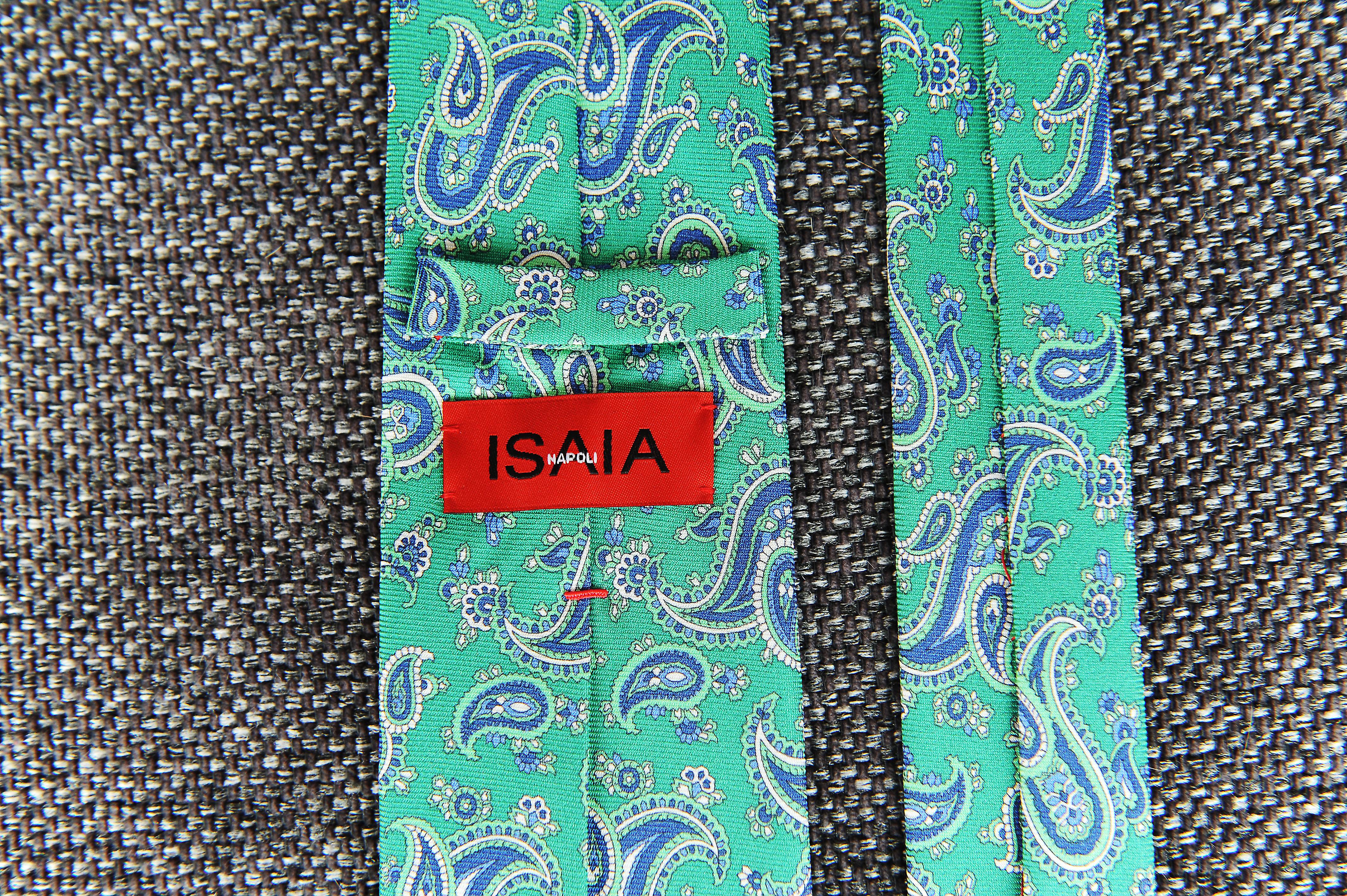 Isaia-4.jpg