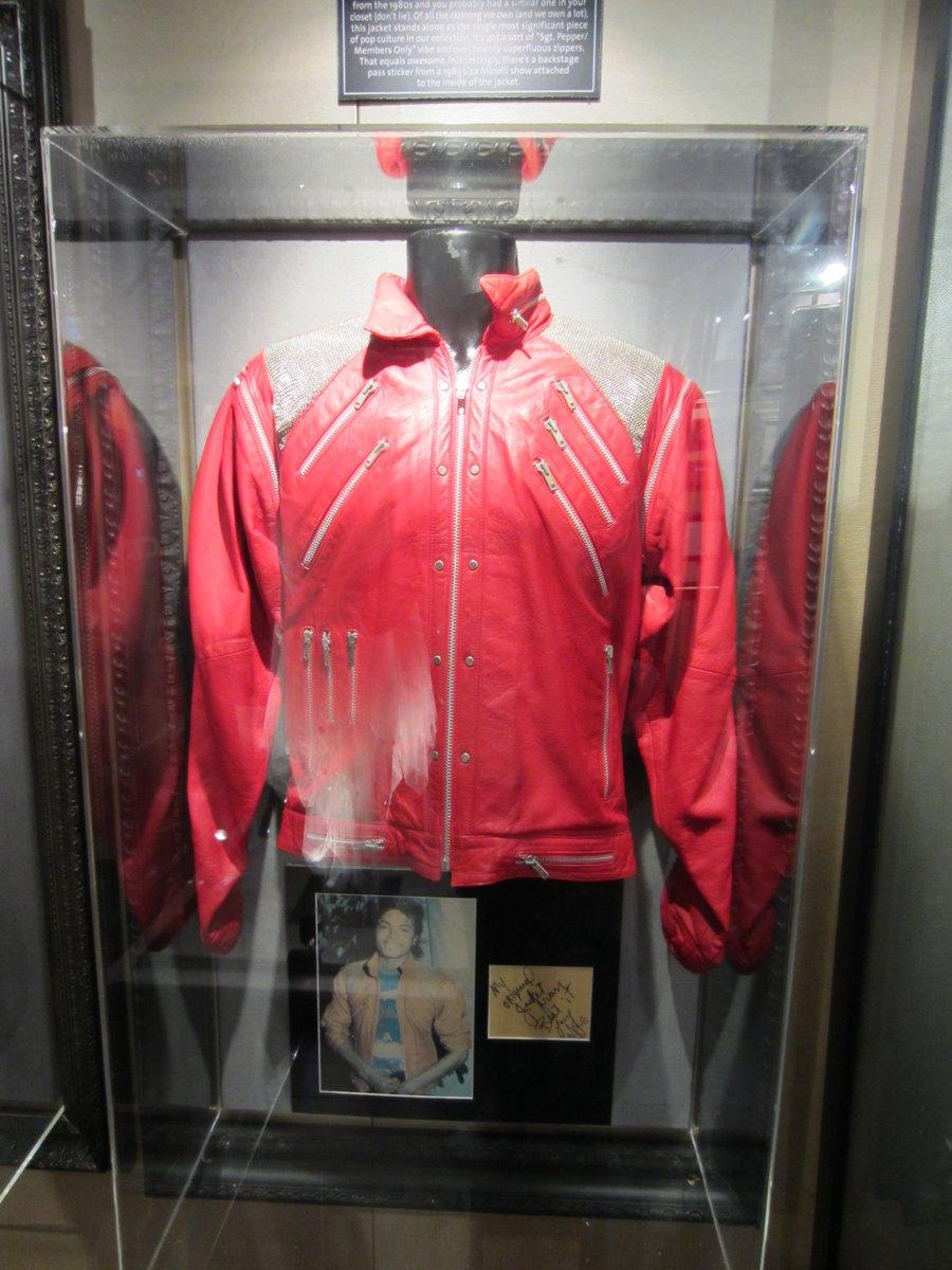 Michael_Jackson_Beat_It_Jacket_(6043162620).jpg