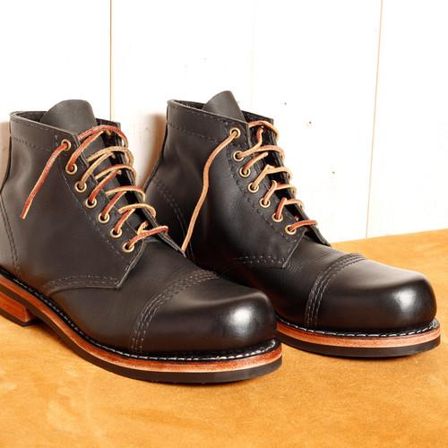 myg 1943 boots.jpg