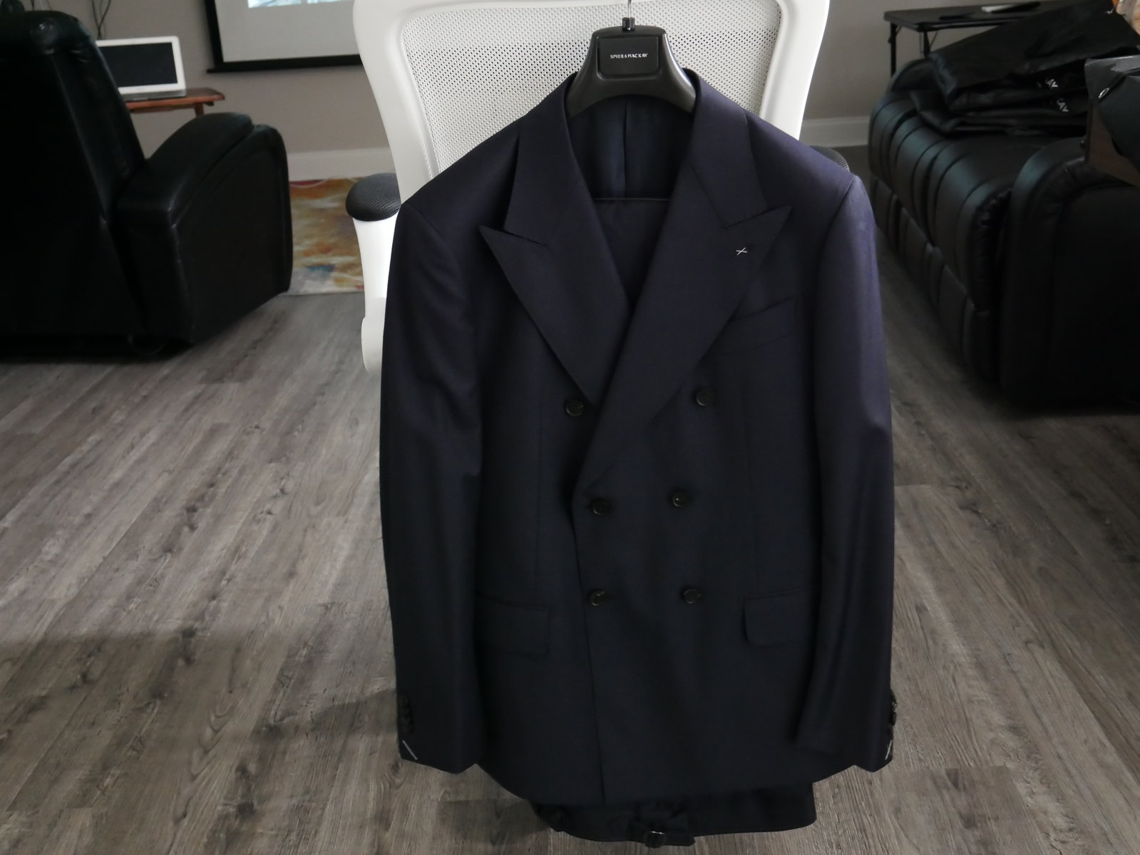 Navy Guabello DB Suit No Light.JPG