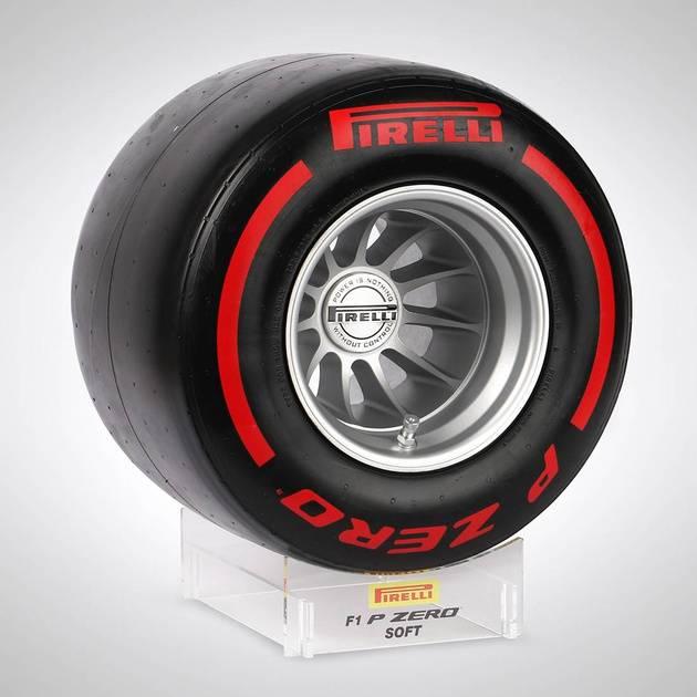 Pirelli_Wind_Tunnel_Tyre_Red_1_2s4j-tb.jpg