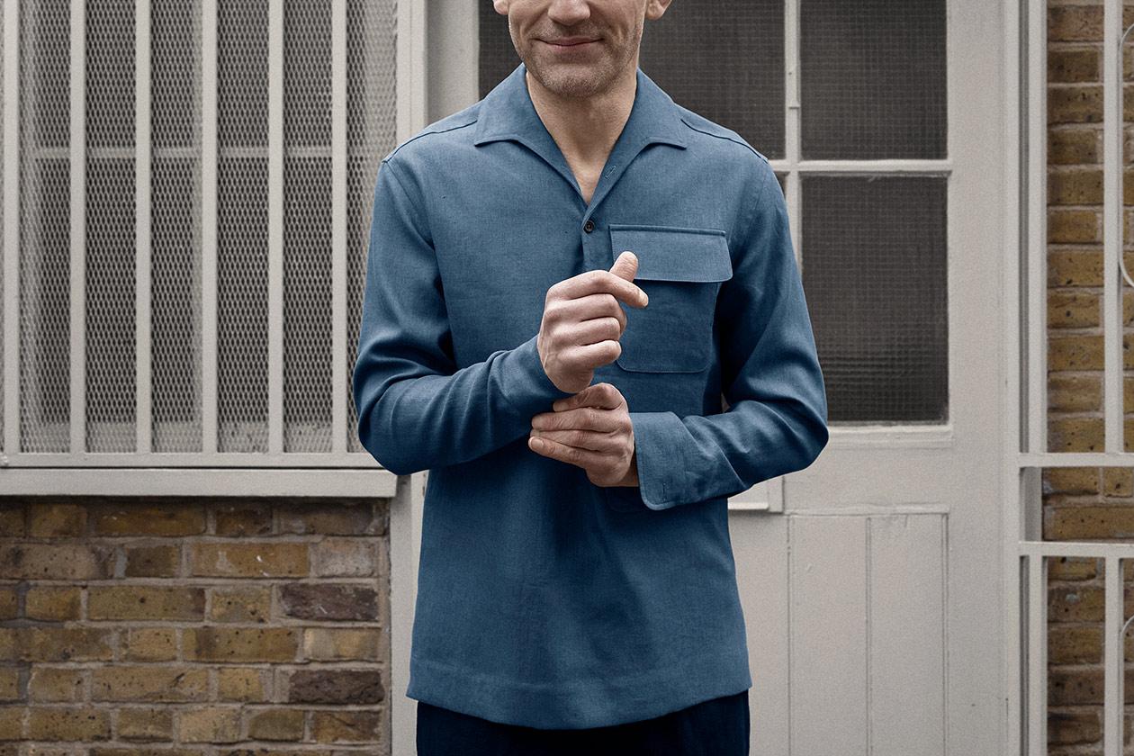 popover-shirt-linen-suiting-blue-worn-3s@2x.jpg
