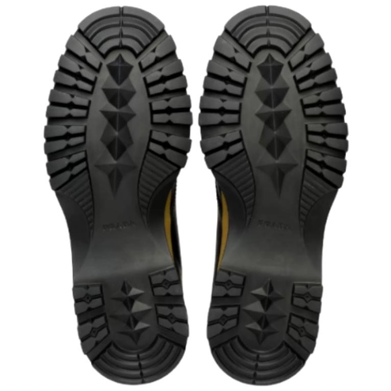 prada-black-brixxen-leather-derby-shoes_14506635_22049820_1920 2.jpg