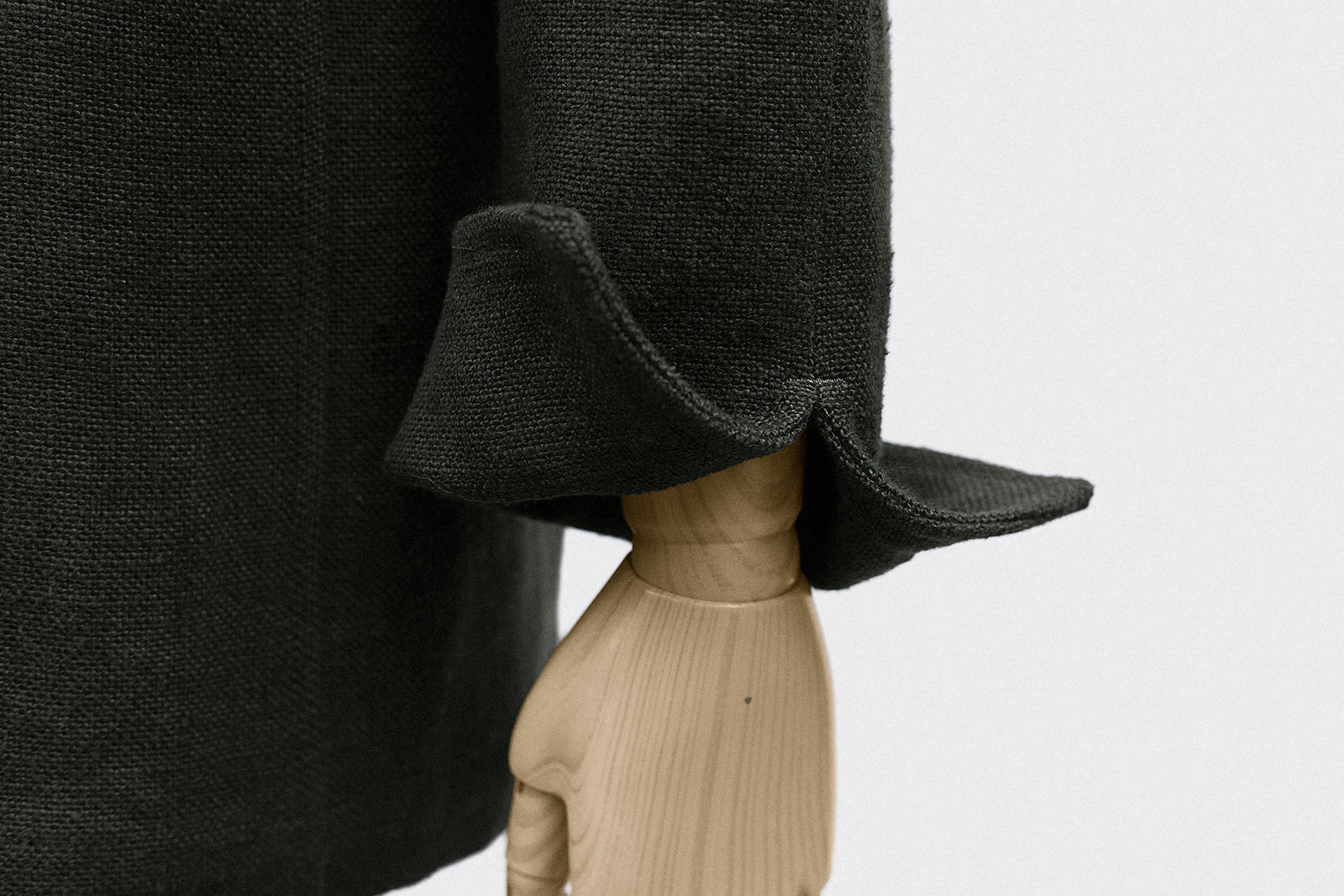 pyjama-top-linen-burlap-dark-olive-7@2x.jpg