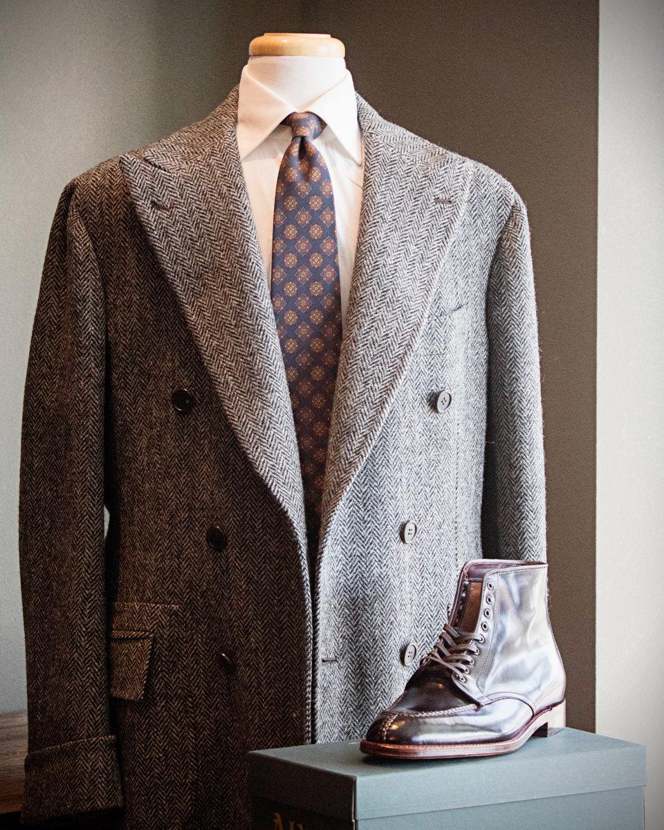 S3_Orazio-Grey-HB-Overcoat_Alden-C8-NST-Boots_Full_PT.jpg