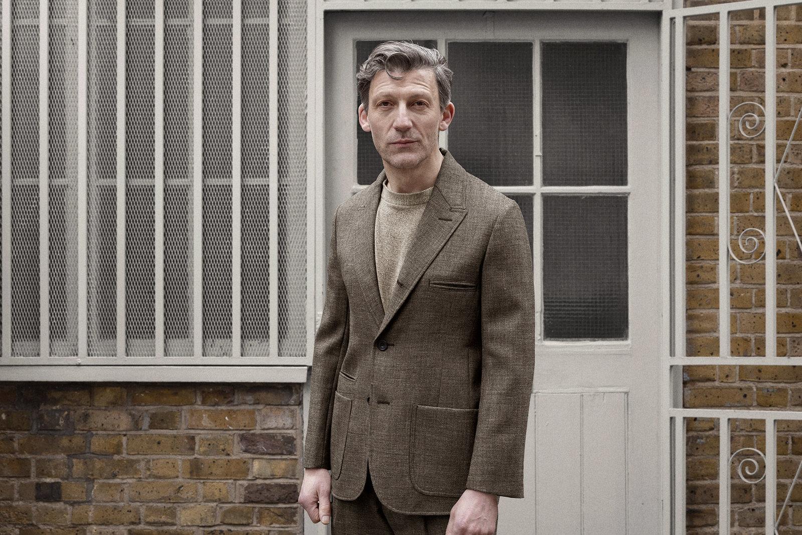 sb3-jacket-tropical-worsted-brown-worn-1@2x.jpg