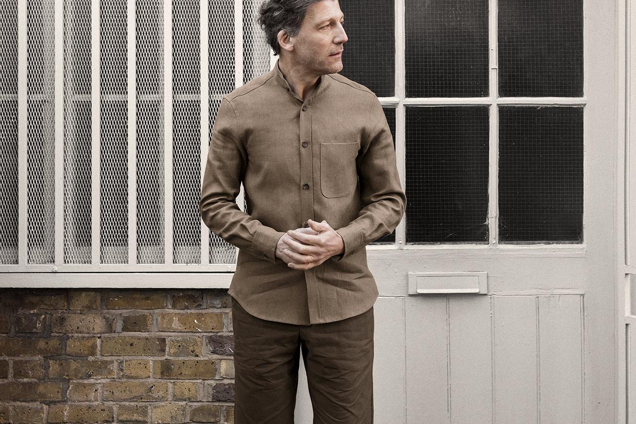 shirt-granddad-linen-suiting-cork-worn-5s@2x.jpg