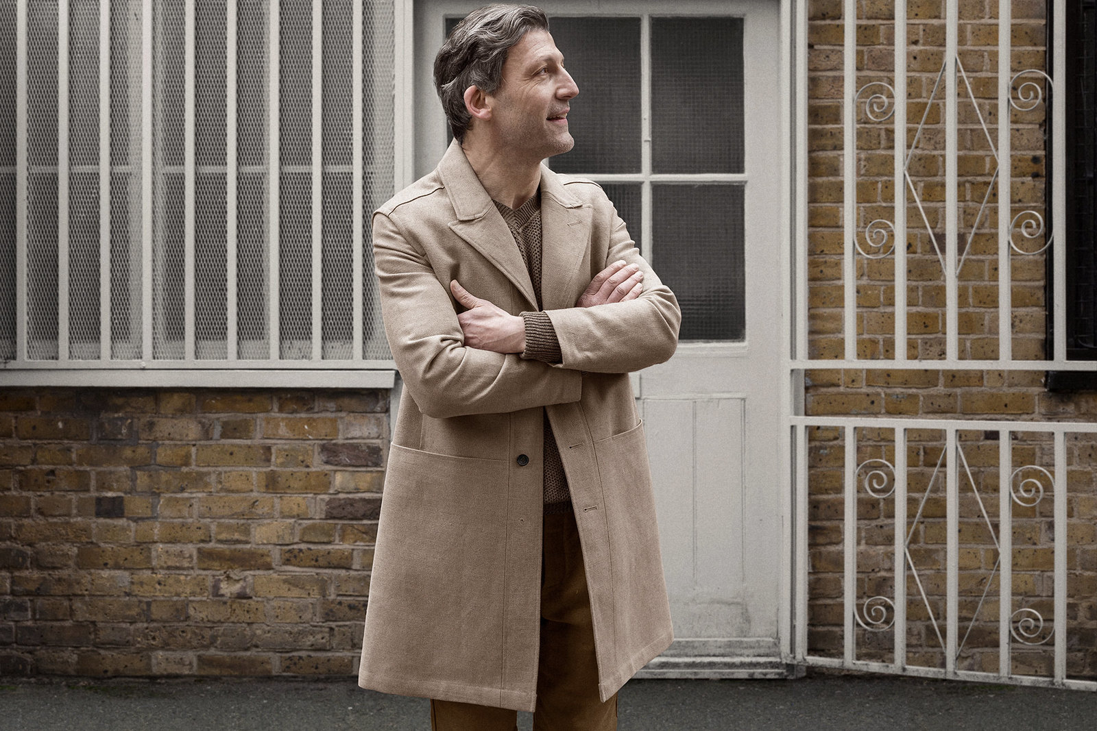 shopcoat-cotton-linen-hopsack-malt-worn-1@2x.jpg