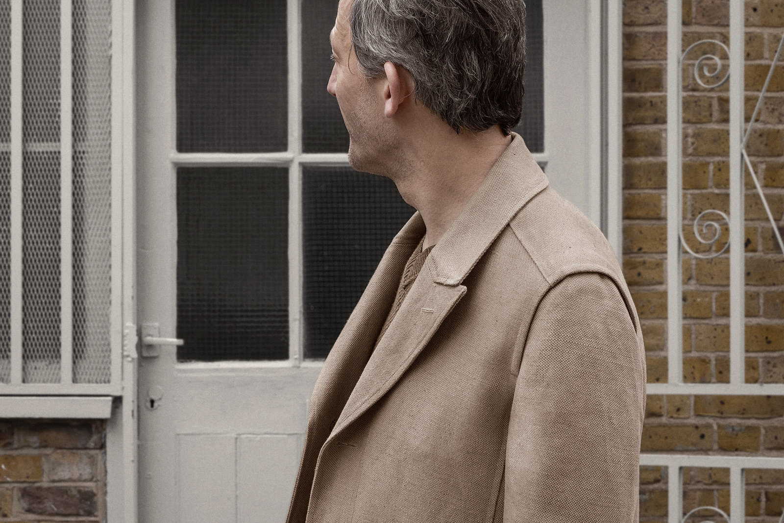 shopcoat-cotton-linen-hopsack-malt-worn-2@2x.jpg