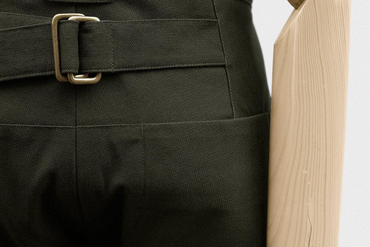 slim-trousers-cotton-airweave-dark-olive-10s@2x.jpg