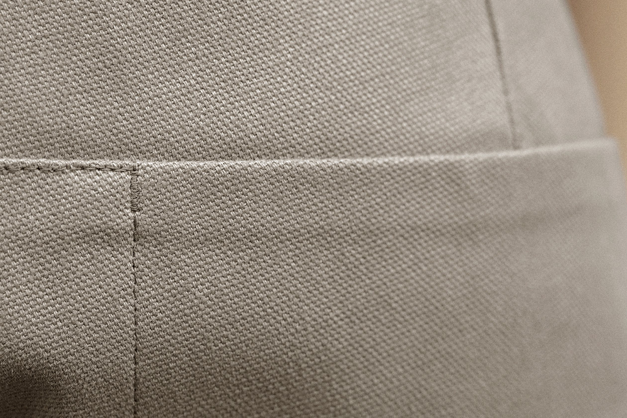 slim-trousers-cotton-panama-stone-14s@2x.jpg