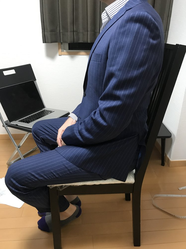 suit fit - sitting relaxed position.jpg