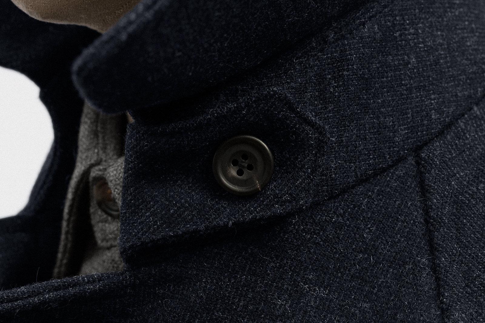 trench-coat-natte-tweed-dark-navy-17@2x.jpg