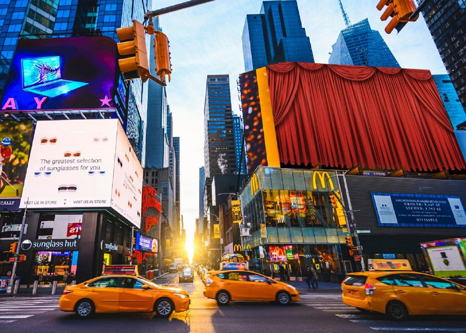 Urban Fooboy_Times Square_2021-12-31.jpg