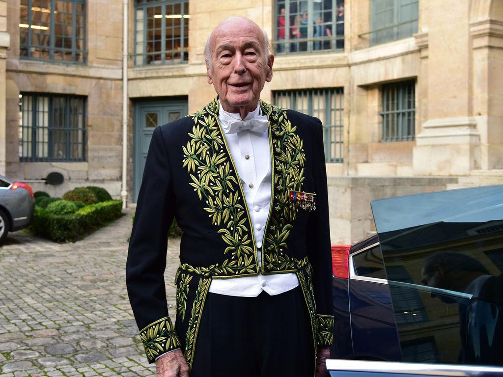 Valery-Giscard-d-Estaing-a-l-Academie-Francaise-a-Paris-le-28-janvier-2016_exact1024x768_l.jpg