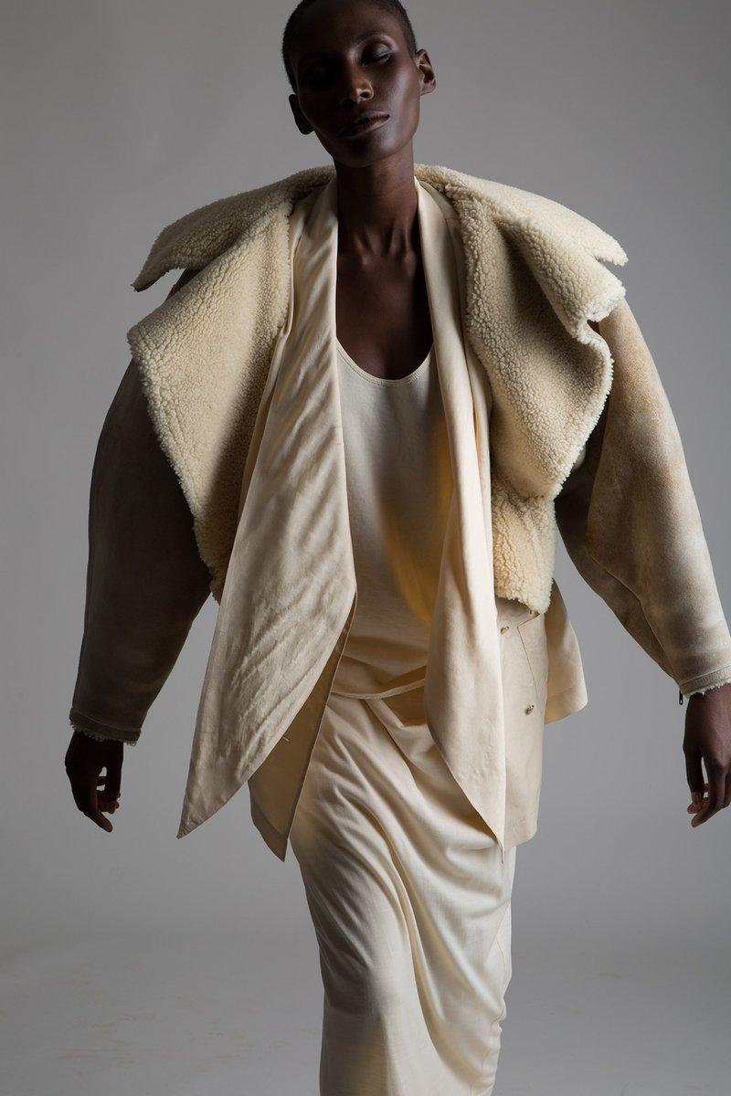 vintage-issey-miyake-skirt-jacket-bottega-veneta-outfit-alaia-shearling-bomber-7-2084x3128.jpg
