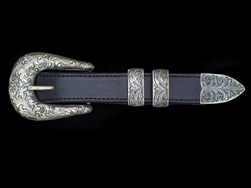vogt-silversmiths-western-buckles-the-laredo-071-251-5-11891067846690_800x.jpeg