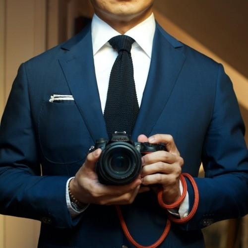 Navy suit white shirt black tie for Navy suit black shirt
