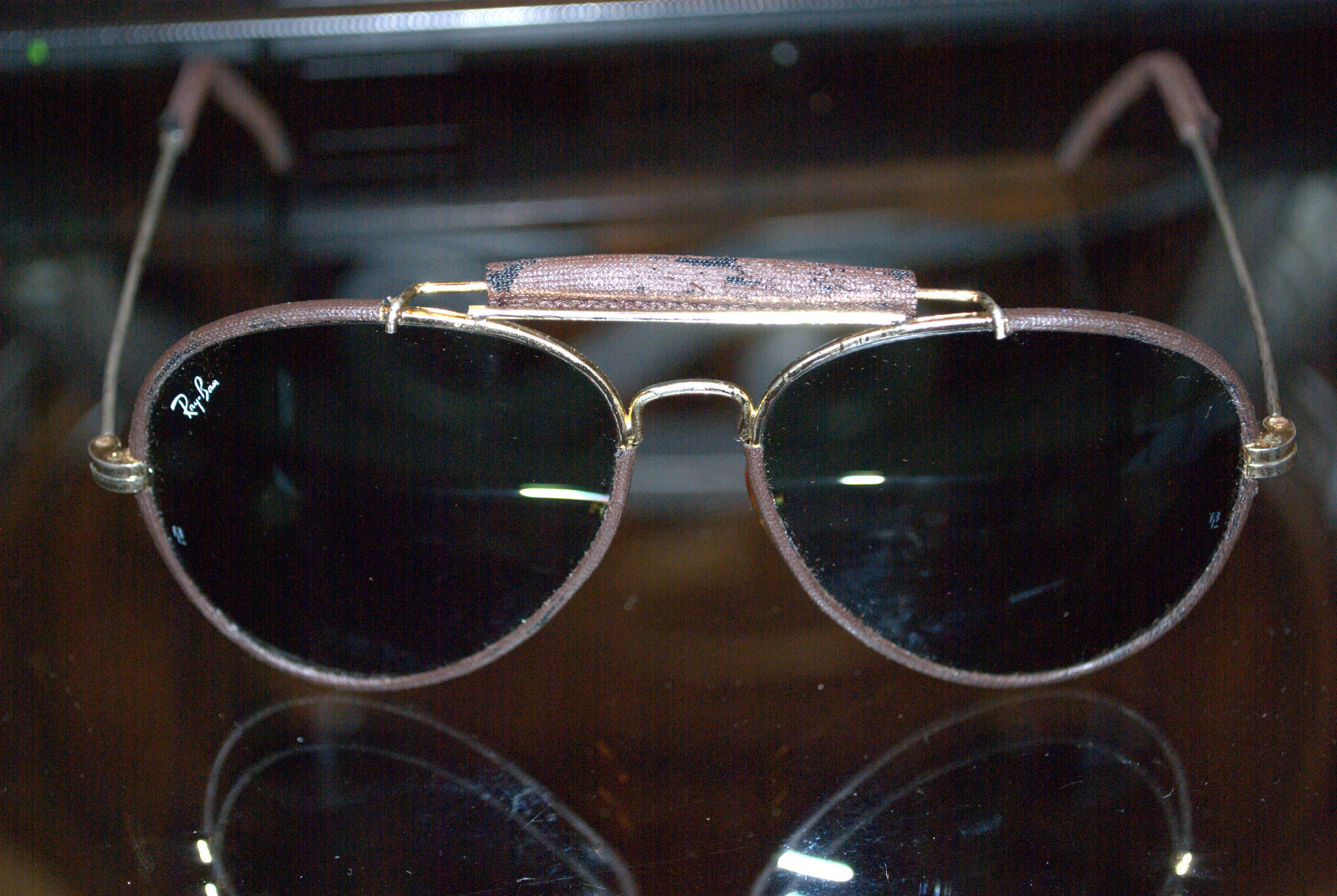 444f33700b75 I just recently picked up a pair of vintage Ray Bans and wanted to get an  idea as to the exact age and perhaps the value of them. Pictures included.