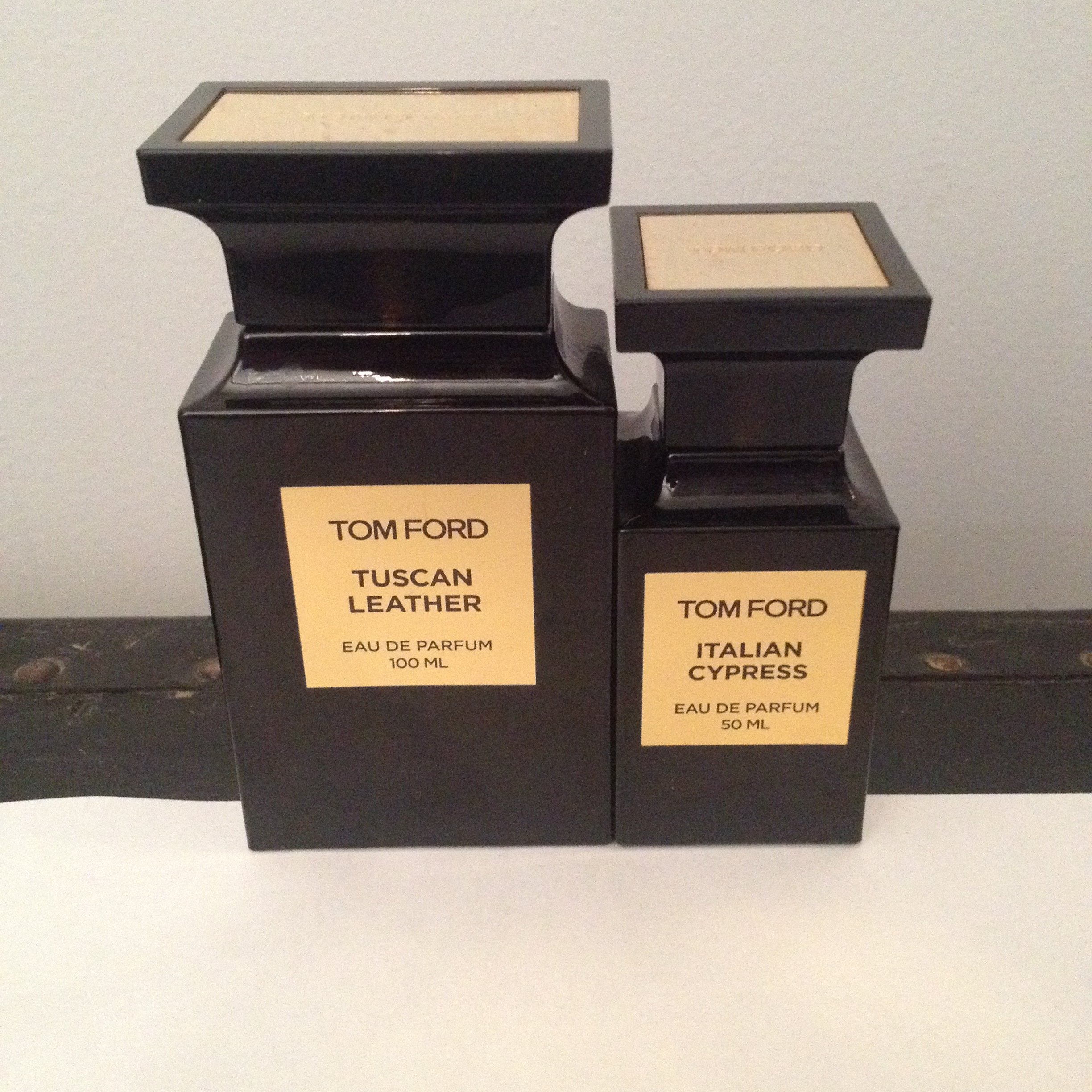 tom ford 50ml italian cypress 100ml tuscan leather. Black Bedroom Furniture Sets. Home Design Ideas