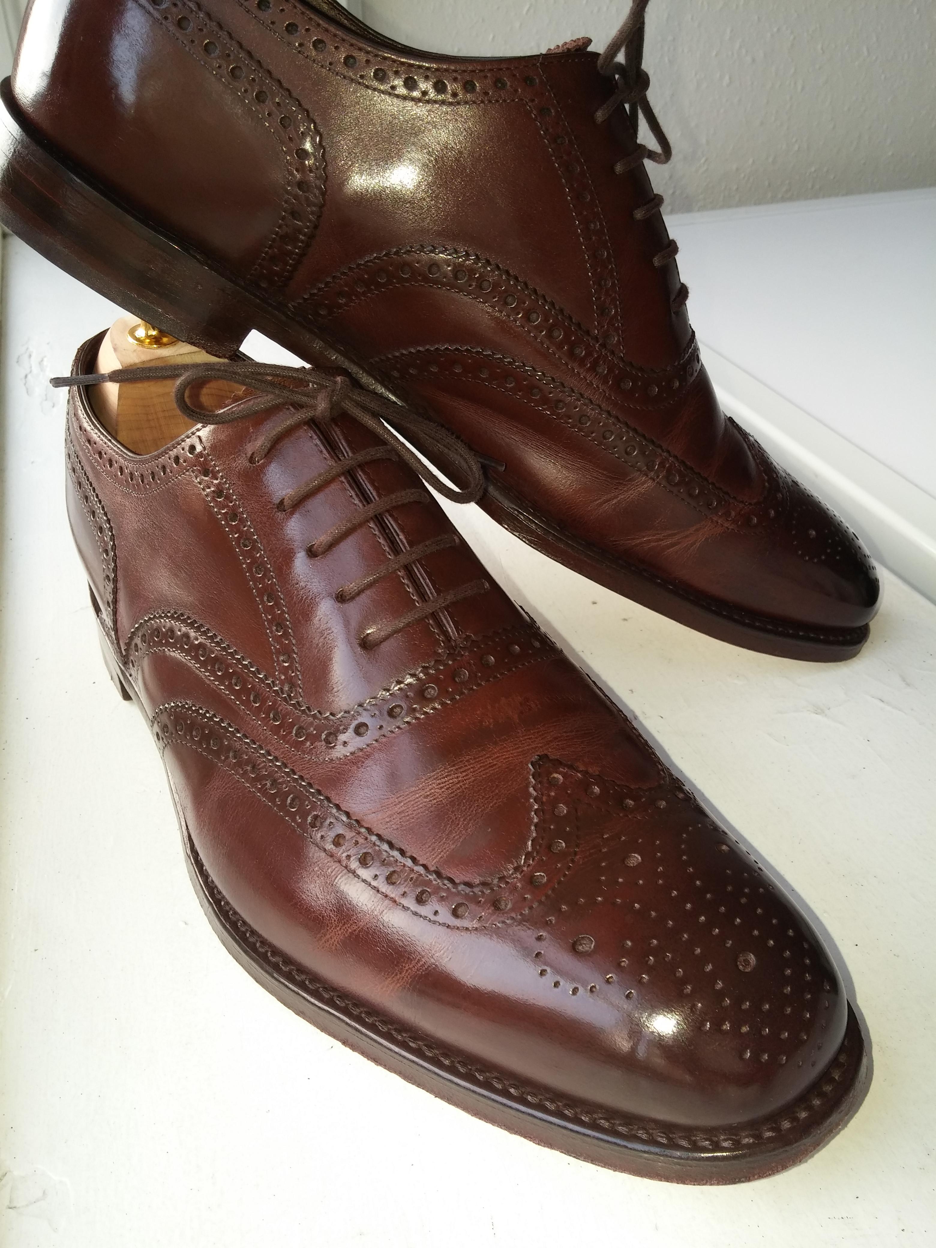 Loake 1880 Buckingham Dark brown. Polished with burgandy saphir shoe polish for almost a year.