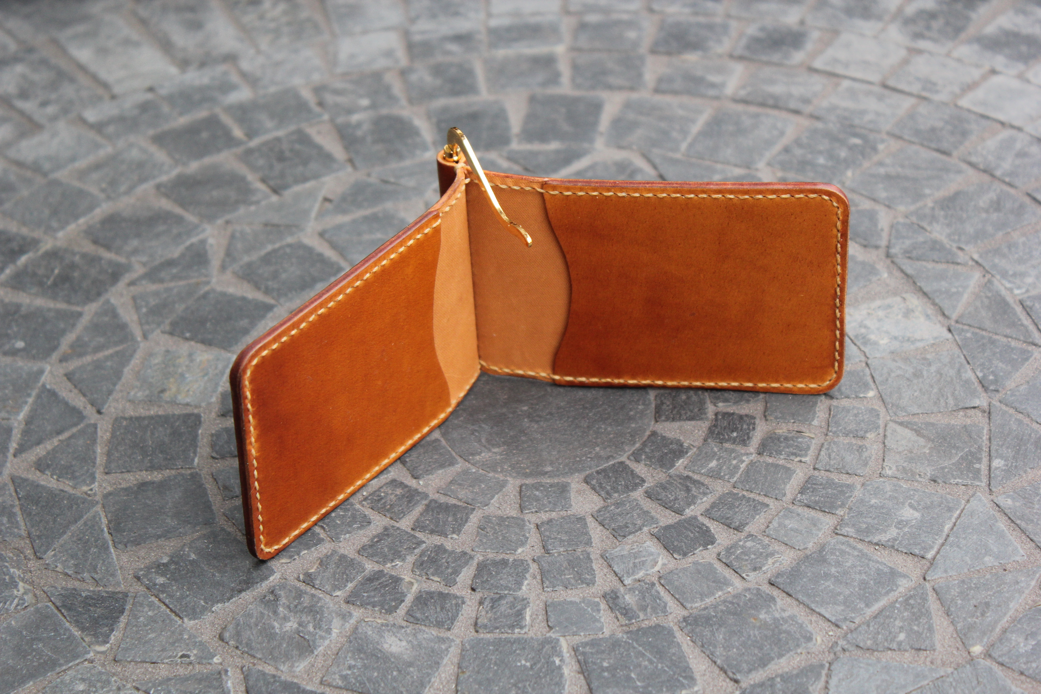 0526575e3a7a Also experimented with a more complex interior for the money clip wallet.