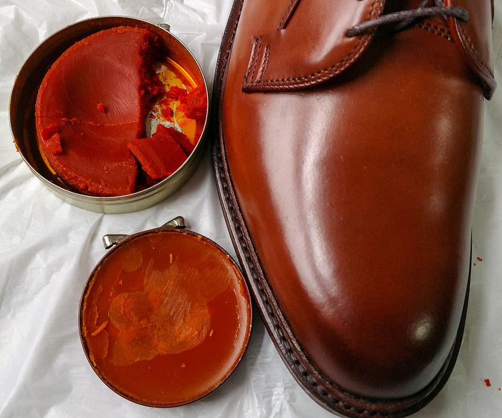 What Is The Best Way To Apply Shoe Polish