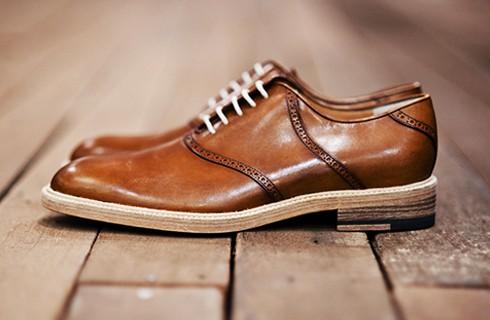 band-of-outsiders-saddle-shoes.jpg