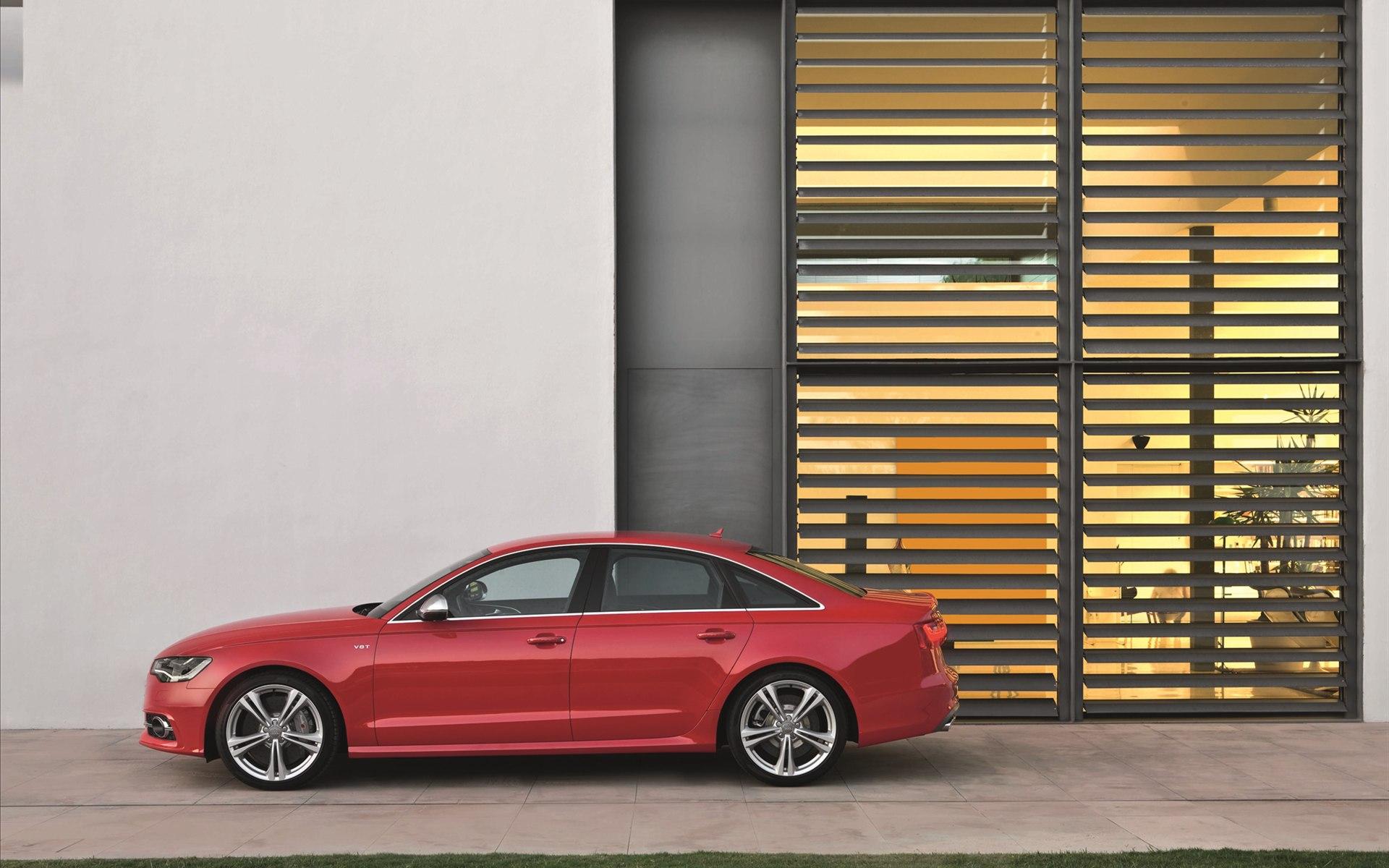 2013-Audi-S6-Images-3.jpg