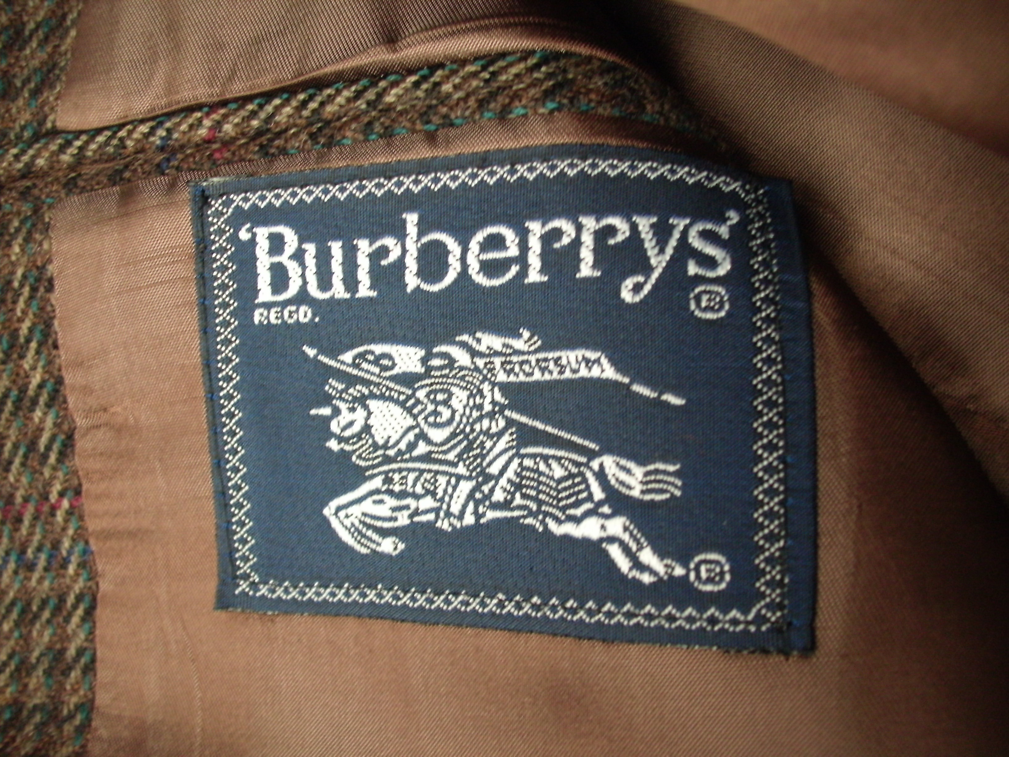 Burberry (9).JPG