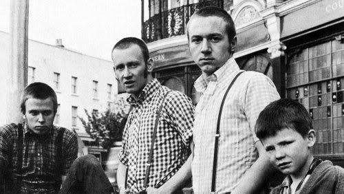 Original-Skinheads-out-side-the-pub.jpg