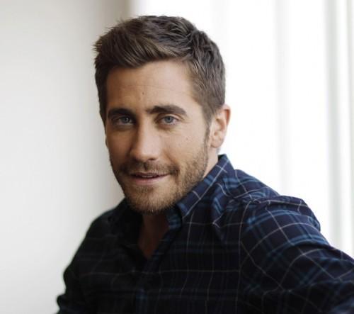 Jake-Gyllenhaal-New-Hair-2011-1-500x443.jpg